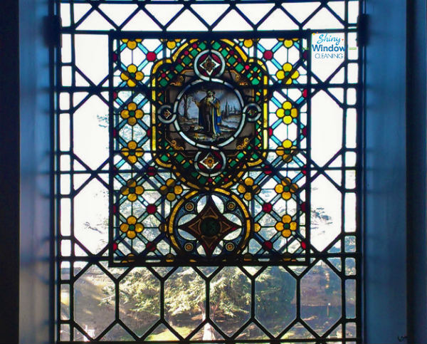 how to clean stained glass panes